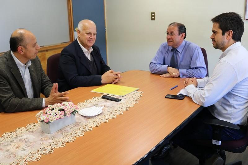 Alcalde de la Comuna, Guido Siegmund firma modificación convenio Sep