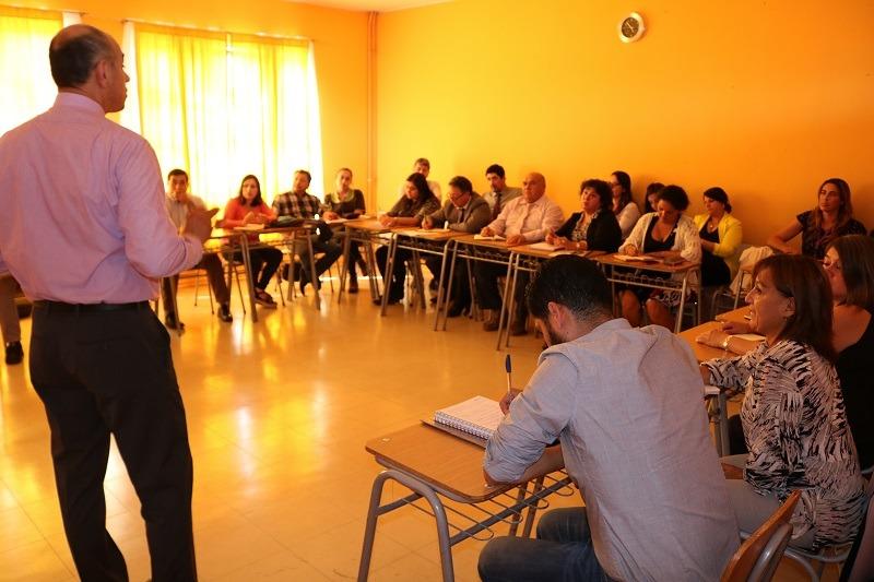 Director del Departamento de Educación Municipal, Rr. Juan Abel Sepúlveda se reúne con equipos directivos de los 14 establecimientos educacionales municipales de la comuna