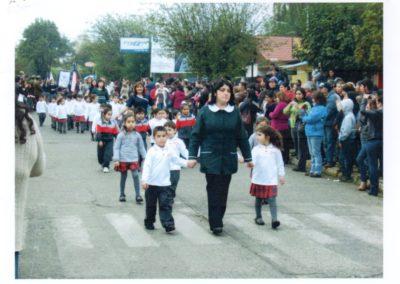 desfile pequeños escuela 6