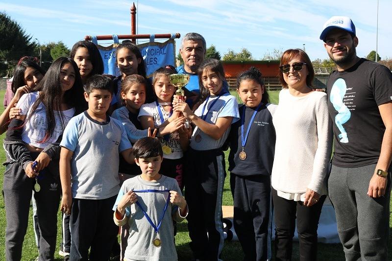Escuela Los Perales y Programa Deportes de la Municipalidad de Gorbea organizan Olimpiadas de Atletismo