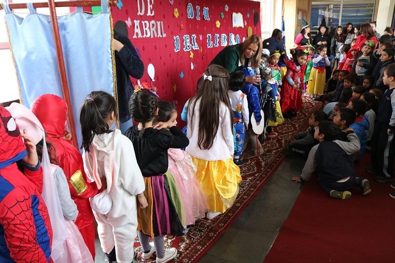 Escuela Los Perales celebra el Día del Libro