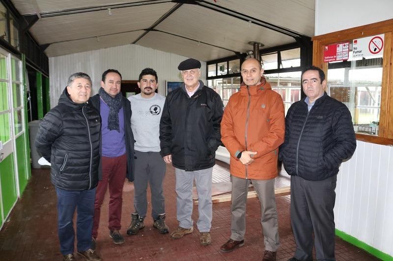 Alcalde y DAEM supervisan mejoras del Liceo de Gorbea