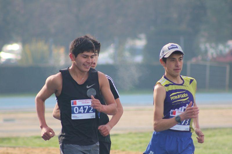 Estudiante Darío Curiqueo representará a la comuna en Regional de Atletismo