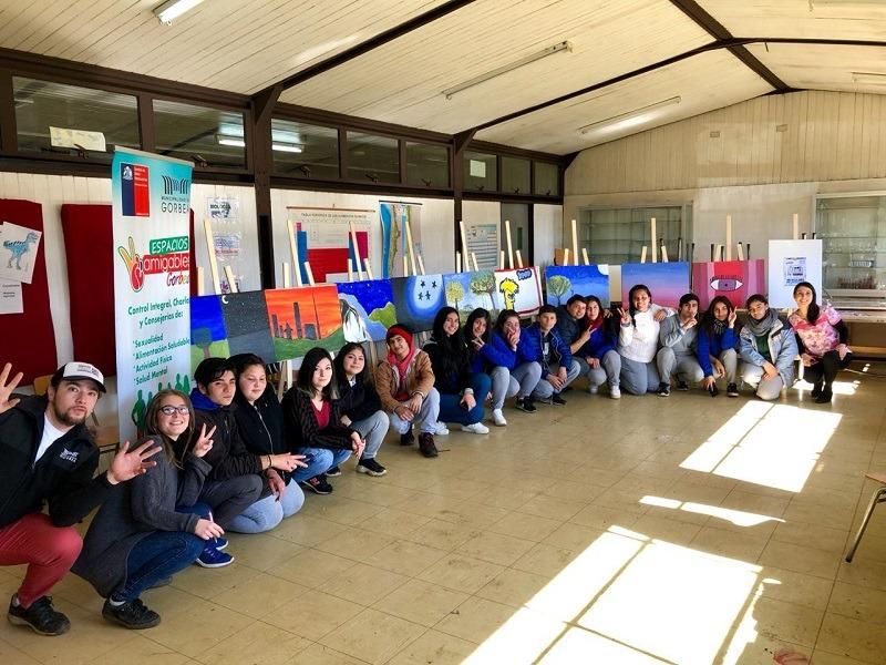 """Estudiantes de Liceo Gorbea participan en Proyecto """"El Arte de Crecer"""""""