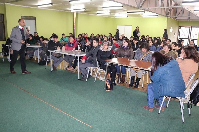 DAEM organiza jornada de trabajo participativo para PADEM 2020 con apoderados, estudiantes y Directivos
