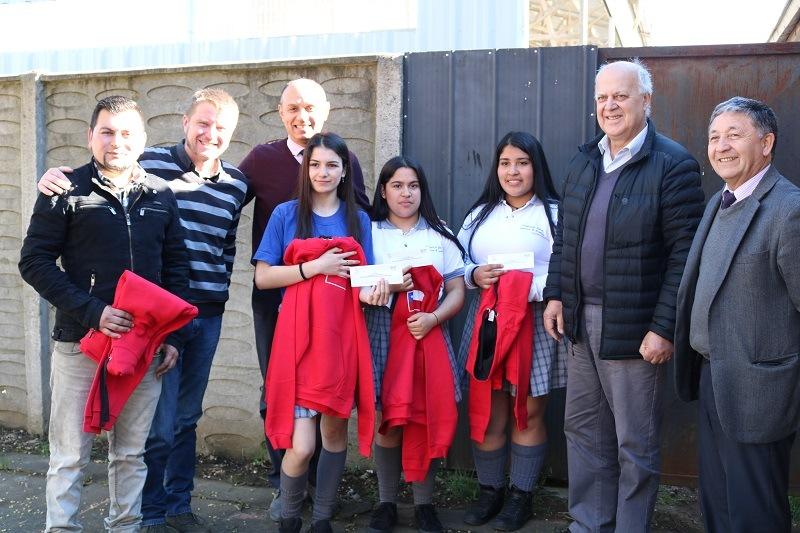 Alcalde despide a Estudiantes de Agropecuaria que viajan a Brasil