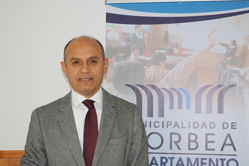 Director de Educación Municipal envía saludo en el día del Asistente de la Educación
