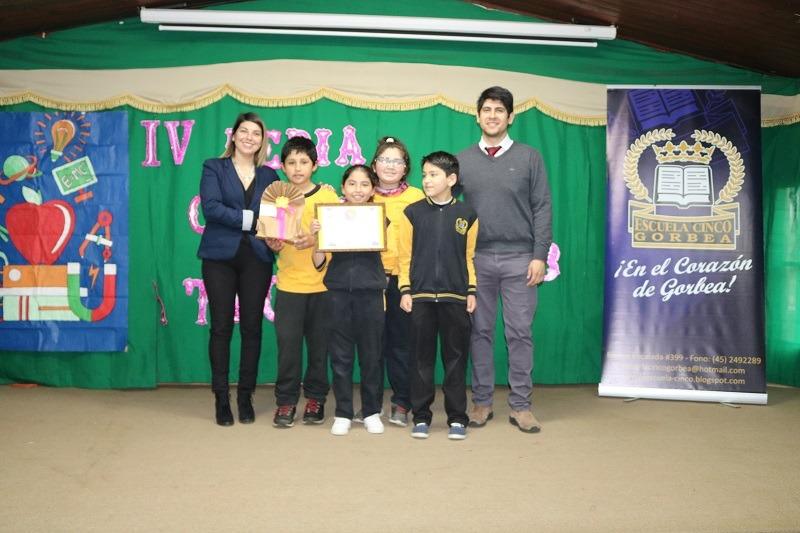 Escuela Cinco realiza IV Feria de las Ciencias y Tecnología