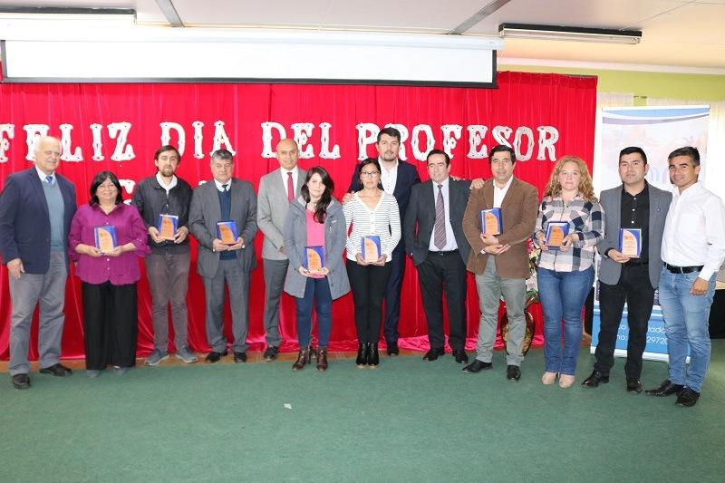 Alcalde y DAEM celebran el día del Profesor