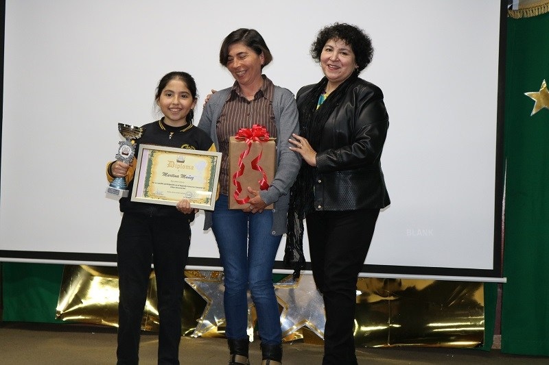 Escuela Cinco lleva a cabo II Concurso Video Documental