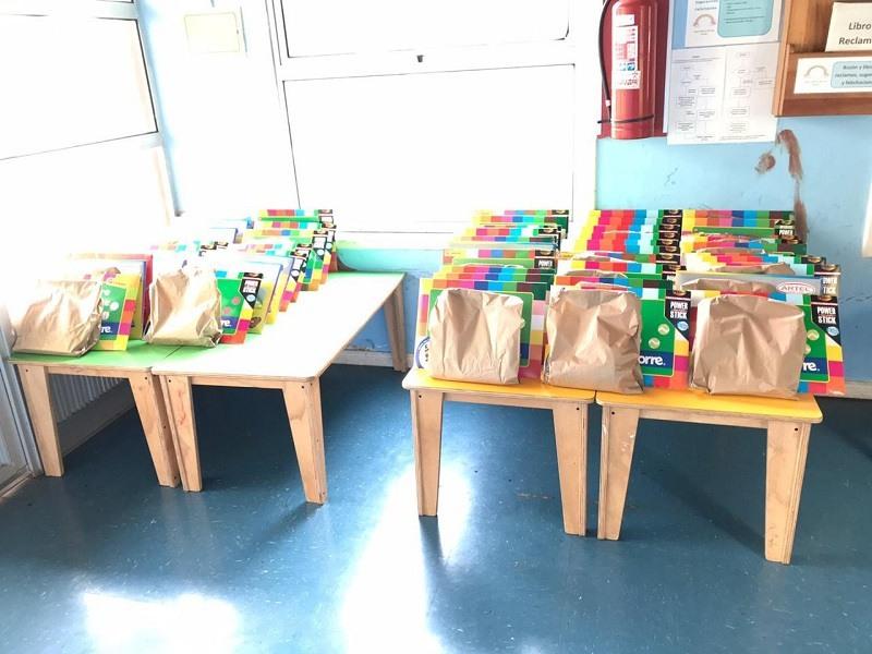 Jardín Infantil Arcoíris hace entrega de material educativo