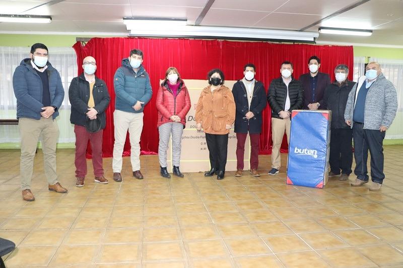 Alcalde hace entrega de implementos deportivos a los establecimientos educacionales